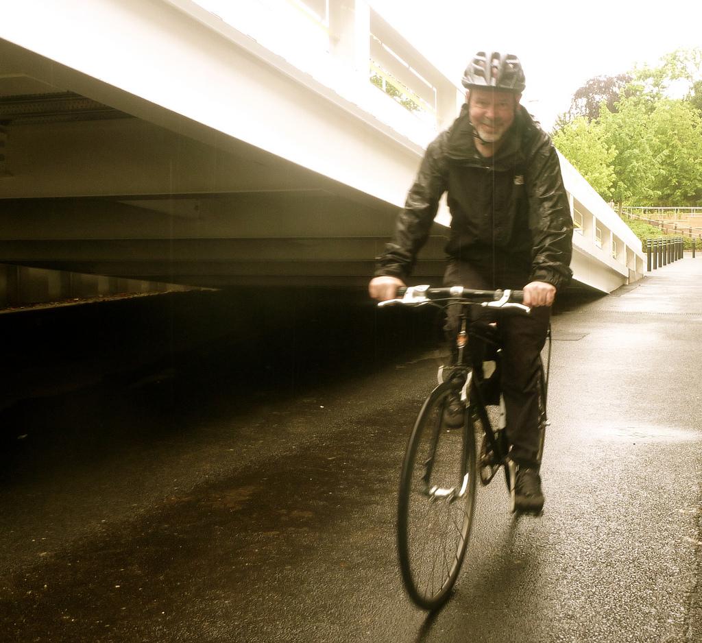 10 Gear Essentials For Biking To Work Start Standing